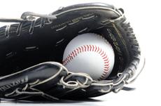 なぜ野球選手はサラリーマンの何百倍も稼げるのか?
