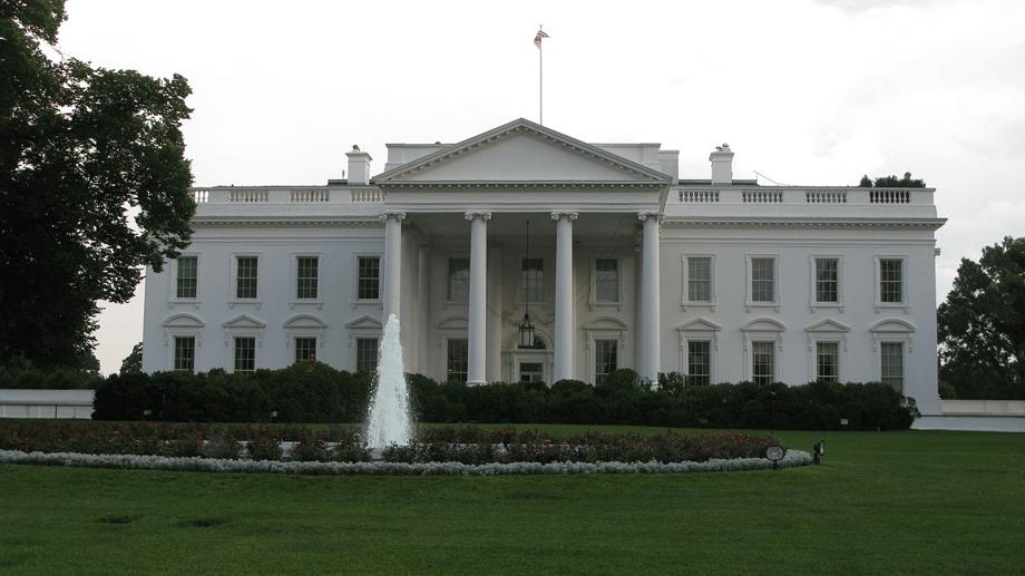 次期アメリカ大統領はブッシュとオバマの中間線が望ましい